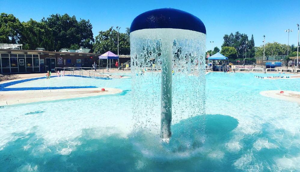 Riconada pool fountain palo alto